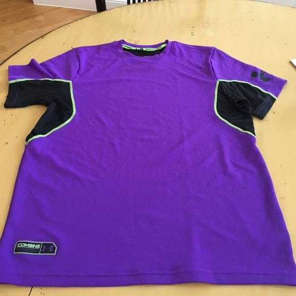 Under Armour Other - 💜 Mens Under Armour shirt💚