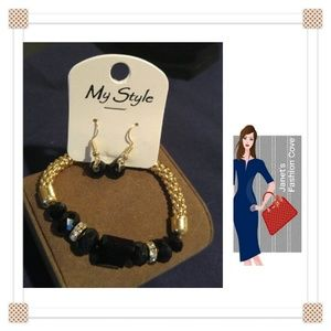 Jewelry - Lovely Gold w/ Black Gems Bracelet & Earrings