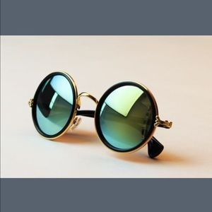 HOST PICKWomen's Round Retro Sunglasses
