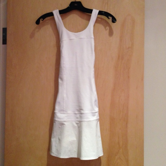 Wedding Gown Specialists Restoration Labs: Lululemon Hot Hitter Tennis