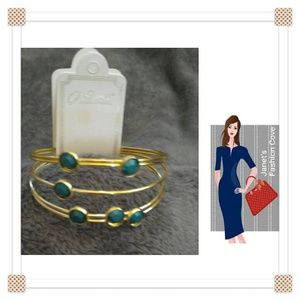 Jewelry - Layered Look Trendy Green & Gold Bracelet