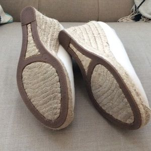 53f8fe11b2a9 J. Crew Shoes - 🎀 OFFERS WELCOME 🎀 J. Crew Seville Espadrilles
