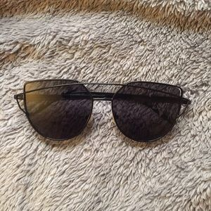 Black Metal Frame Fashion Sunglasses