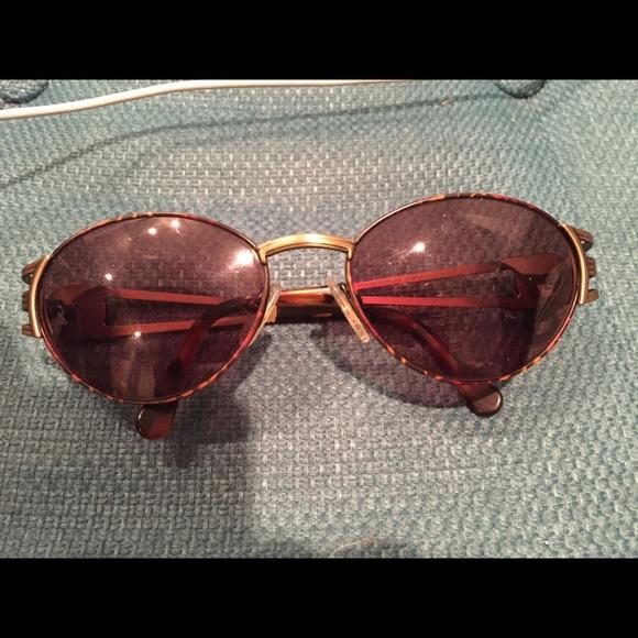 692234519dc1 Fendi Accessories - Vintage Fendi retro sunglasses