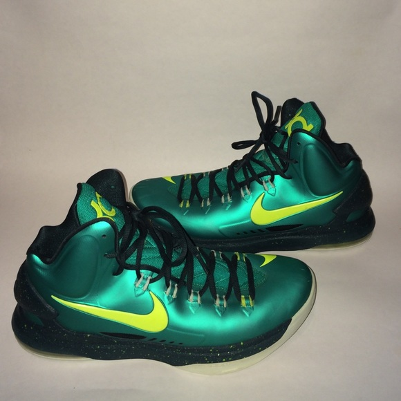 size 40 65231 4f6c1 Nike Men s KD V Hulk basketball shoes. M 579d662b4127d0d2b9017cac