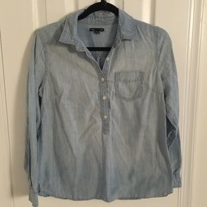 Gap light wash chambray shirt