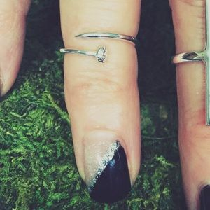 Black Bell Co. Jewelry - Sterling Silver Midi Knuckle Ring