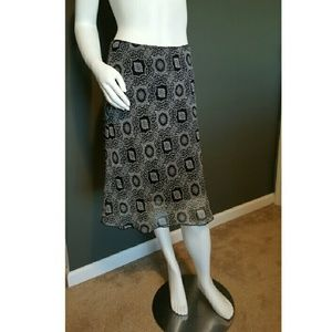 Lipstick Boutique Dresses & Skirts - Black and White Patterned Skirt - EUC