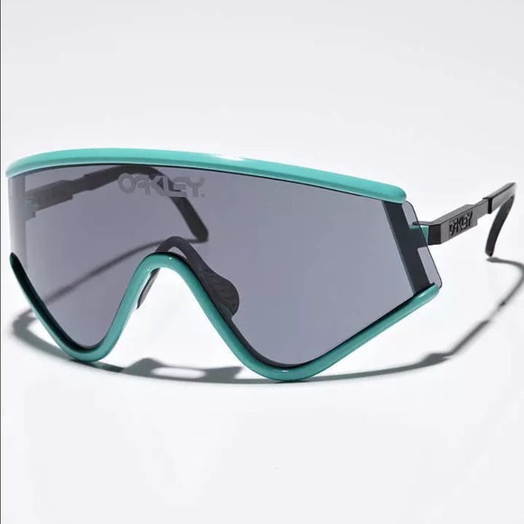 df43f05683 Oakley Heritage Seafoam Green Retro Sunglasses