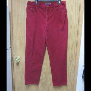 Gloria Vanderbilt Denim - Burgundy Skinny Jeans W/Details on Back Pockets