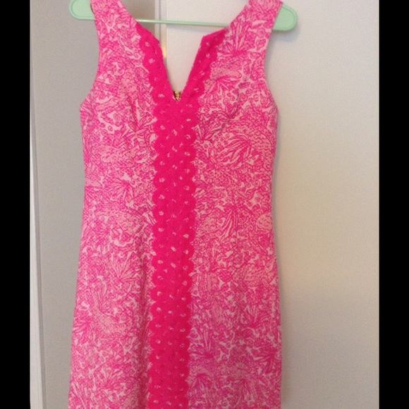 5d7ff7324fa Lilly Pulitzer for Target Dresses   Skirts - Lilly Pulitzer Target pink  white shift dress s