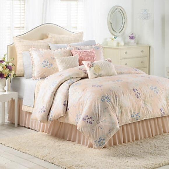 LC Lauren Conrad Other | Lauren Conrad Spring Serenade Comforter ...