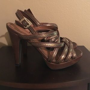 Colin Stuart brown & gold platform heels