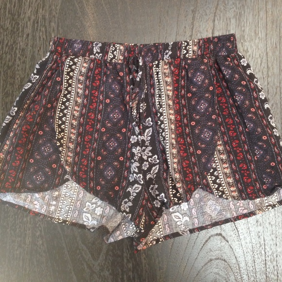 flowy shorts hollister