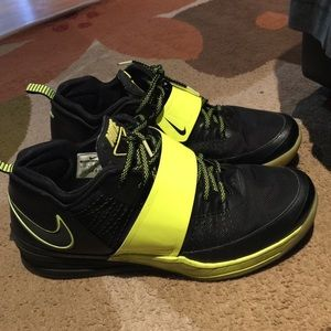 89f2221b90768 Nike Shoes - Men s Size 13 Nike Zoom Revis Island
