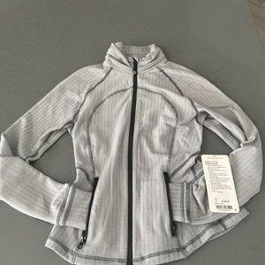 lululemon athletica Tops - Hustle in your bustle jacket size 4