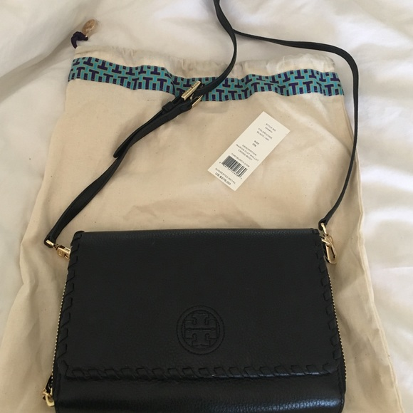 cdad9cb08f9d Tory Burch Marion Flat Wallet Cross-Body Purse NWT.  M 579e3f024127d09ede008914