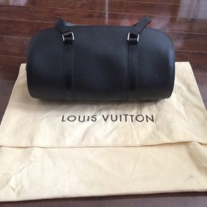 AUTHENTIC Louis Vuitton Epi handbag