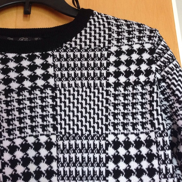 Houndstooth Knitting Pattern : 73% off Zara Sweaters - Zara Black & White Houndstooth Knit Sweater S fro...