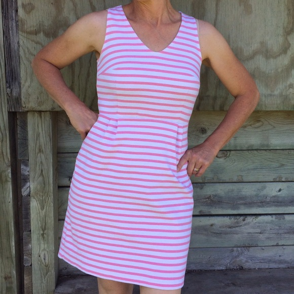 99110a94ba3 Old Navy White And Pink Striped Dress. M 579e48eb98182970e808fcce