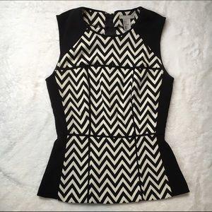 H&M BLACK & WHITE ZIG ZAG BLOUSE
