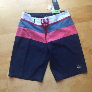 Nwt quicksilver board swim shorts 28/20 white grey