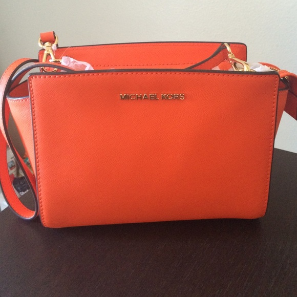 820f4c6041e154 Michael Kors Bags | Selma Medium Crossbody Bag Clementine | Poshmark