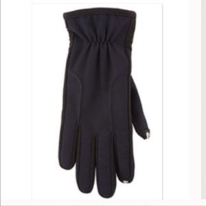 NWT Woman's black smart technology gloves