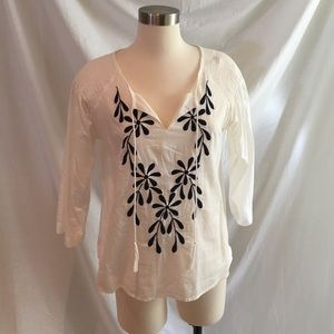 Tops - White with navy embroidered breezy shirt