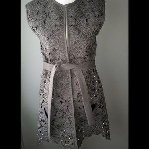 Pretty Vest in Rose Design