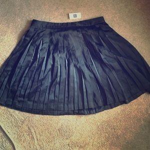 Black Pleated Gap Skirt