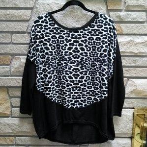 ROMWE Sweaters - Black & white leopard print flowy sweater