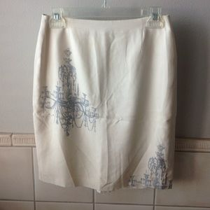 Cream and gray silk skirt with chandelier pattern
