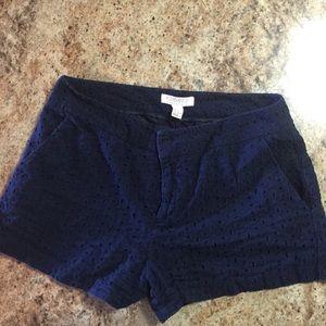 Navy pocketed shorts!