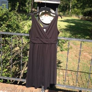 Old Navy Black Sleeveless Maternity Dress