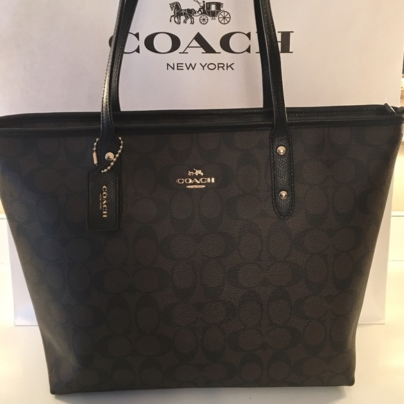 5f6bd6e56bf Coach Handbags - COACH FINAL PRICE! NEW LARGE TOTE 100% AUTHENTIC