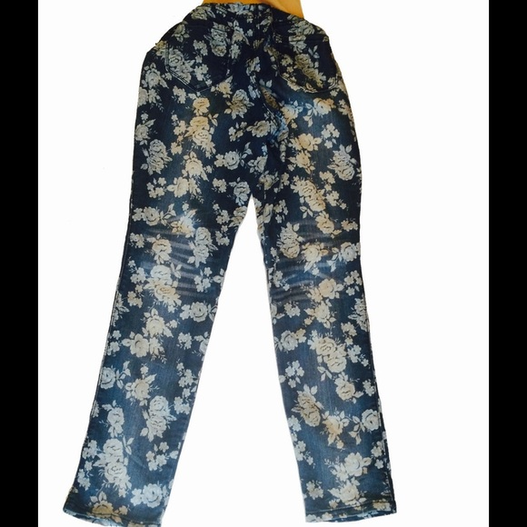 59% off Motherhood Maternity Denim - Size XL Fade to Blue Floral ...