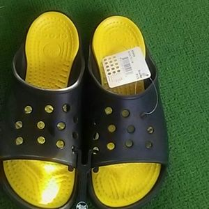 e2fdee4d1b2d CROCS Shoes - NWT CROCS Scutes Size 12
