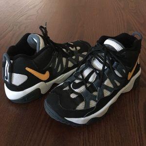 Kids Nike Slant Mid PS Sneakers