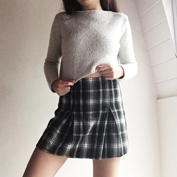 8e87ee4c03 Brandy Melville Dresses & Skirts - Brandy Melville Plaid Kaitlee Skirt