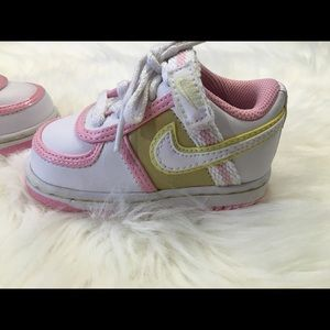 NWOT- Baby Nike Shoes