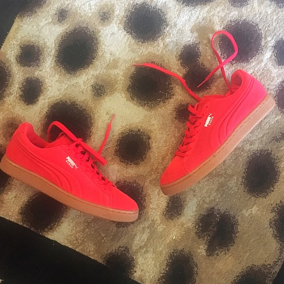 Red suede puma w gum bottom 9f840d9c5f9e