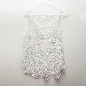Tops - Unbranded floral lace white tank top