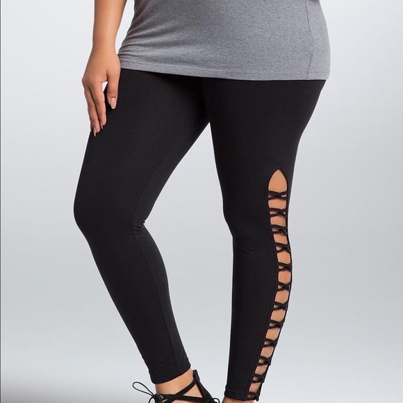 1434d999023 NWT torrid size 1 lattice leggings