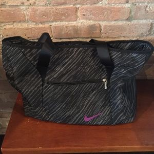 Nike tote bag, super spacious!