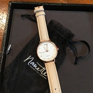 NWT GIFTABLE NanetteLepore Classic Rose Gold Watch