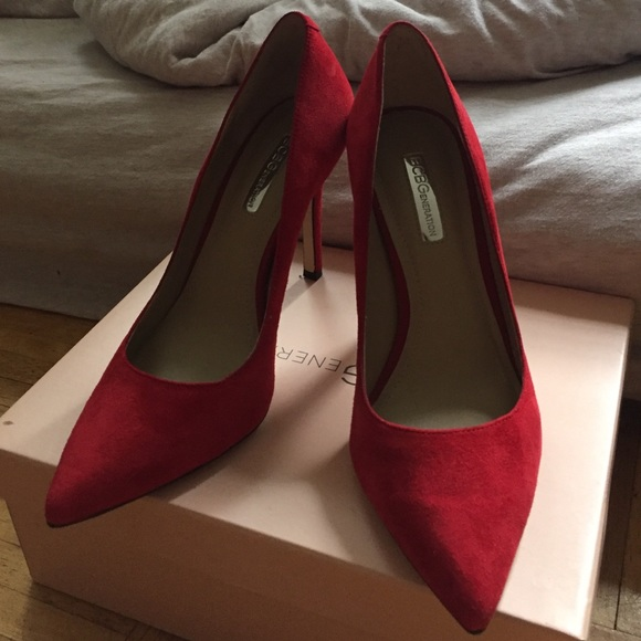 d0be197c00d NEW - BCBG ruby red suede pumps - 7 NWT