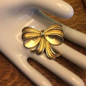 Vintage Goldtone Bow Brooch