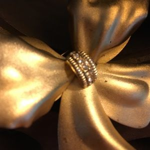 Vintage Jewelry - Goldtone Bow Brooch with Crystal Accents