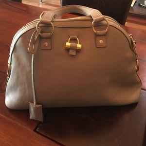 Yves Saint Laurent Handbags - 🎉Yves Saint Laurent oversized Muse. PRICE DROP
